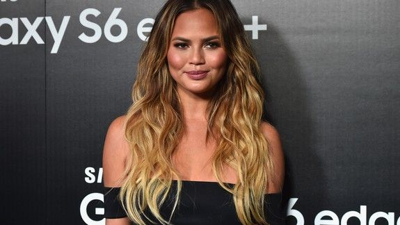 Chrissy Teigen has a SNL sketch idea based on all these sexual misconduct allegations