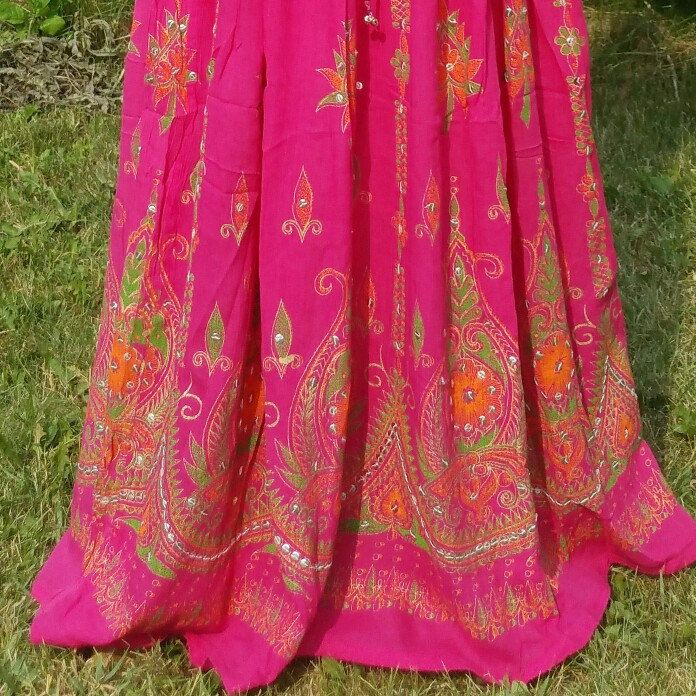 The only Pink skirt in my collection...great fabric....vibrant embroidery! $32.98
