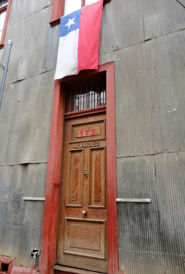 A door in Valparaíso