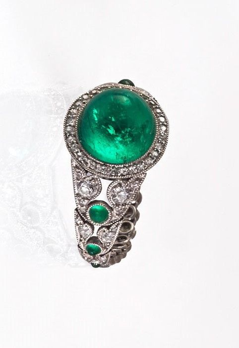 A Magnificent Art Deco Emerald and Diamond Ring, Probably France,