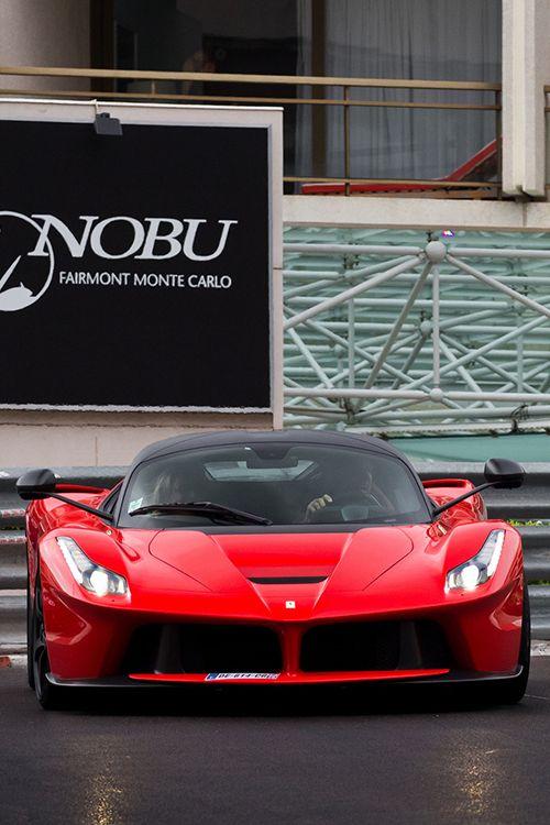 Ferrari | © | AS