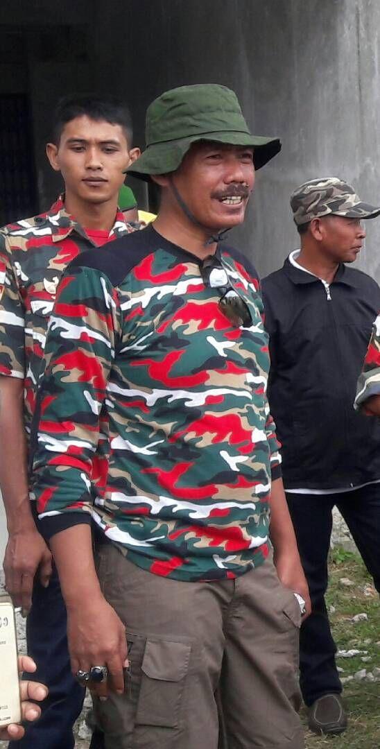 MAKASSAR,SUARALIDIK.com — Adanya beberapa pengusaha atau kontraktor lokal asal Makassar yangmengadukan nasibnya di Markas Daerah Laskar Merah Putih Indonesia (LMPI) Sulawesi Selatan dijalan Landak Baru Lorong 2 Makassar pada tanggal 27 Mei 2017 lalu, lantaran tidak lagi mendapatkan...
