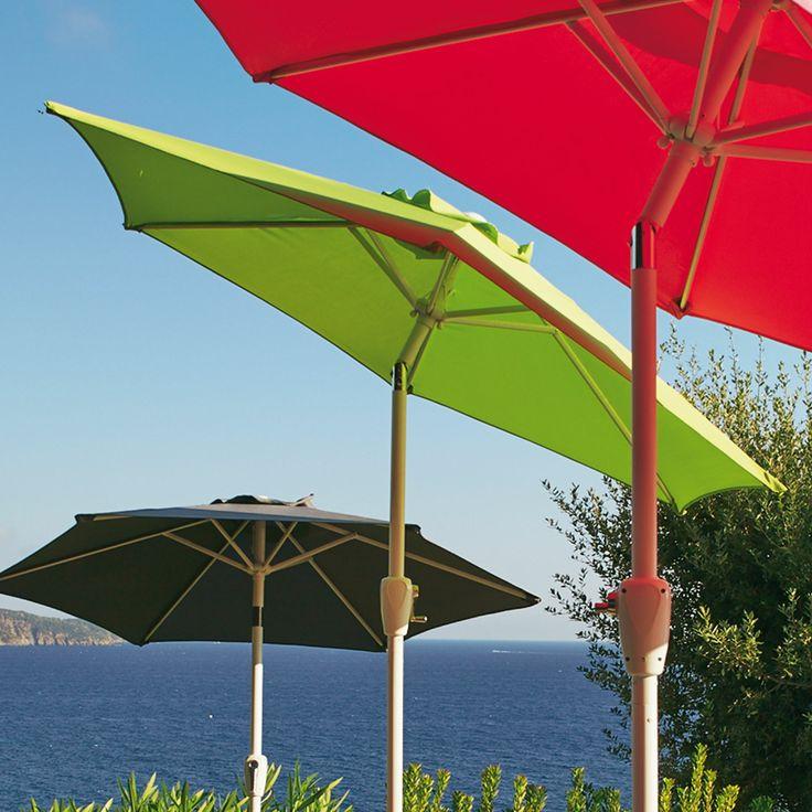 Parasol orientable vert et blanc Vert/blanc - Tilt - Les parasols - Les parasols et pergolas - Jardin - Décoration d'intérieur - #AlineaPE2014