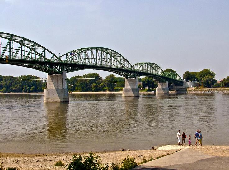 Pictografio: Mária Valéria híd || Esztergom/Sturovo