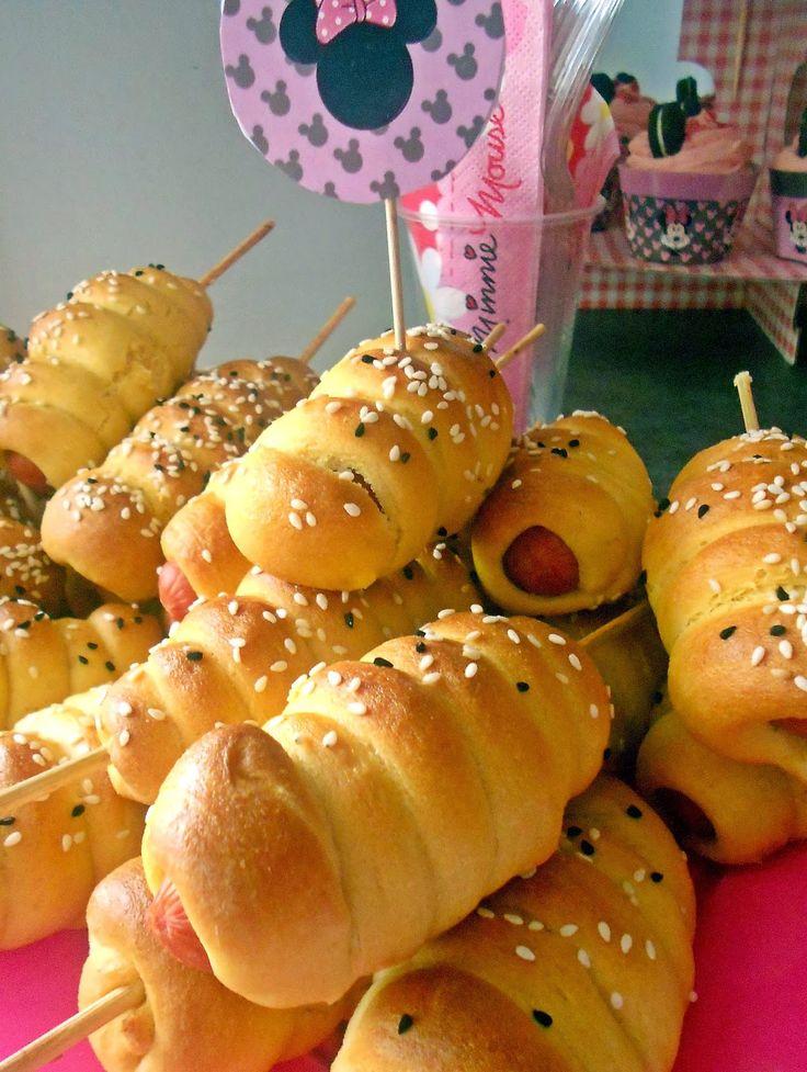 Le voyage du gateaux:   Corndogs στο φούρνο και το πρώτο party    Σωσ...