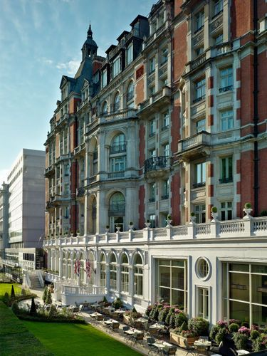 Mandarin Oriental Hyde Park , London http://hotels.hoteldealchecker.com/ #Hotels #Hotel London #Hotels Grand