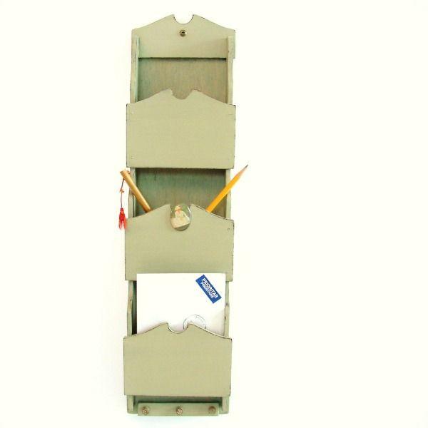 titre affaires class es rangement courrier en bois. Black Bedroom Furniture Sets. Home Design Ideas