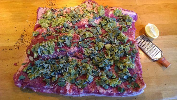 Lækker italiensk flæskesteg med krydderurter og fennikel