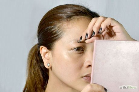 Pluck Eyebrows Without Pain Step 5.jpg