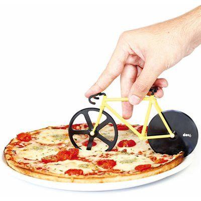 Coupe pizza Vélo | #IdéeCadeau #Cadeau #Québec #Montreal #Déco #PendaisondeCrémaillère  http://www.ideecadeauquebec.com/coupe-pizza-velo/