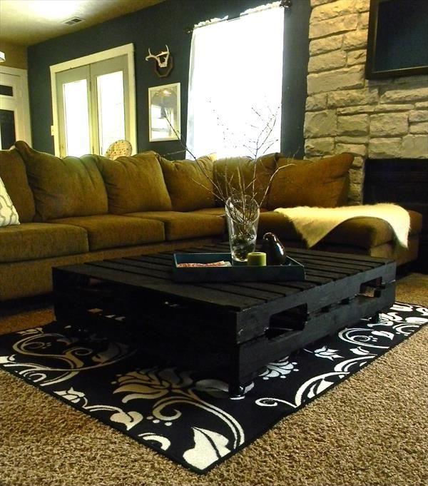 Chic Black Pallet Coffee Table: DIY Tutorial | 99 Palletshttp://www.99pallets.com/pallet-furniture/chic-black-pallet-coffee-table-diy-tutorial/