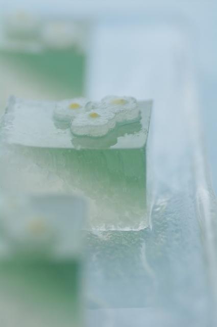 和菓子 「清流の花」