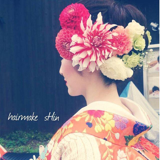 和装の髪型はどうする?* お花を飾った人気の 「洋髪*5タイプ」 をご紹介します♡ | ZQN♡