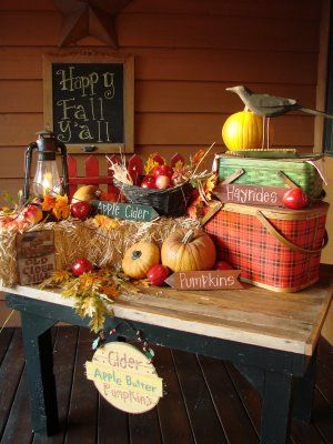 Dreaming of fall already. Love this tablescape for the porch.