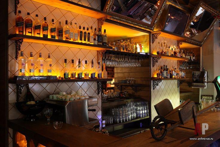 Фото интерьера бара ресторана в стиле китч