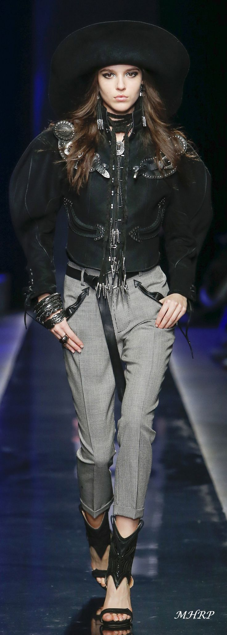 Dsquared2 Fall 2018 Menswear_image pinned from vogue.com
