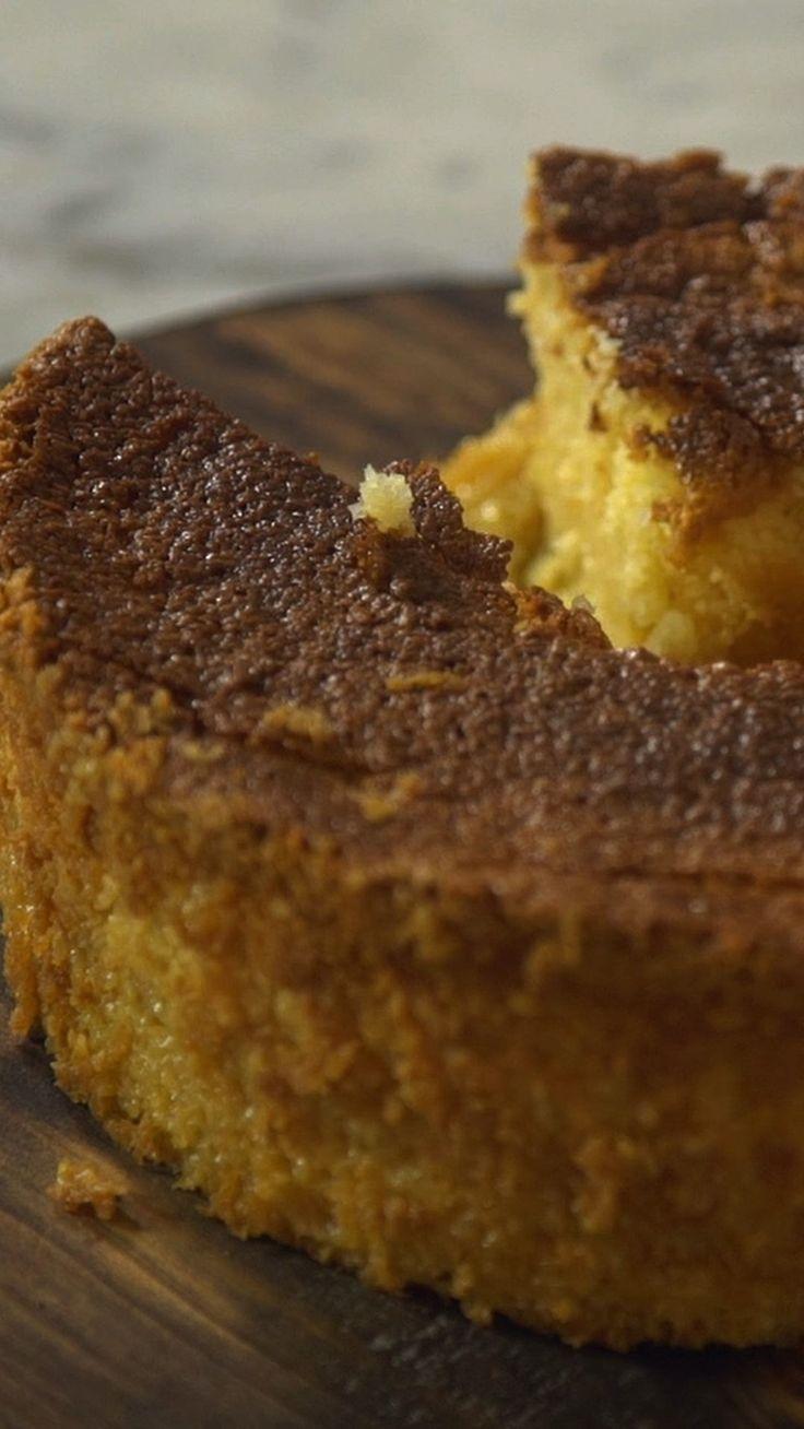 Aprenda a preparar um delicioso e fácil bolo de leite condensado que não leva farinha!