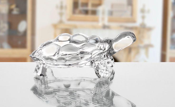 Özgün tasarımlı cam ürünlerimizi incelemek için; madamecoco.com