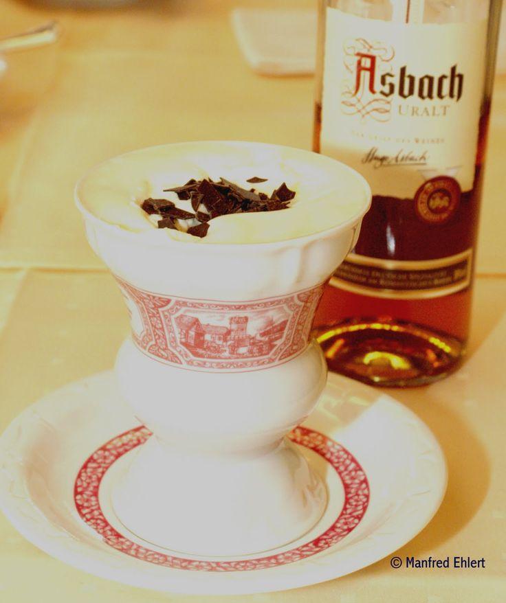Rüdesheimer Kaffee, den tyske varianten av Irish Coffee. Nytes også på restauranter i Berlin selv om den har opprinnelse i Rheinland-Pfalz. Oppfunnet i 1957.