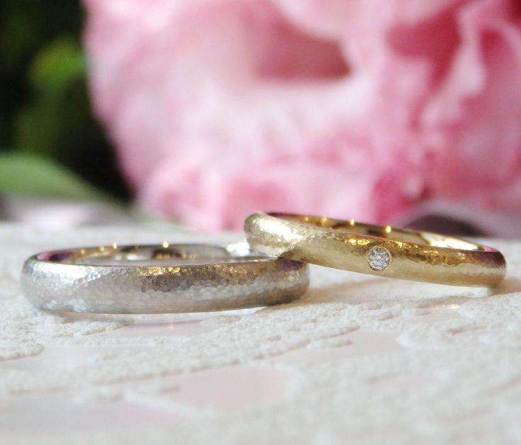 お色違いでおつくりした槌目のマリッジリング。  [marriage,wedding,ring,bridal,K18,Pt900,マリッジリング,結婚指輪,オーダーメイド,槌目,ウエディング,ith,イズマリッジ]