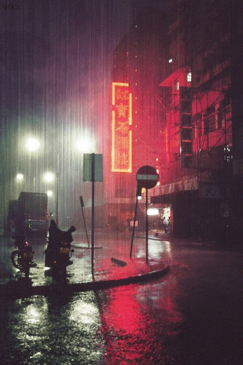 Rainy city streets are a strong inspiration for this look. The reflection of water, on dark greys, and the blurry mist of rain as it overlaps the lighting. Be sure to play the GIF animation to experience the inspiration of this image. Scene from Blade Runner (1982). #LGLimitlessDesign #Contest