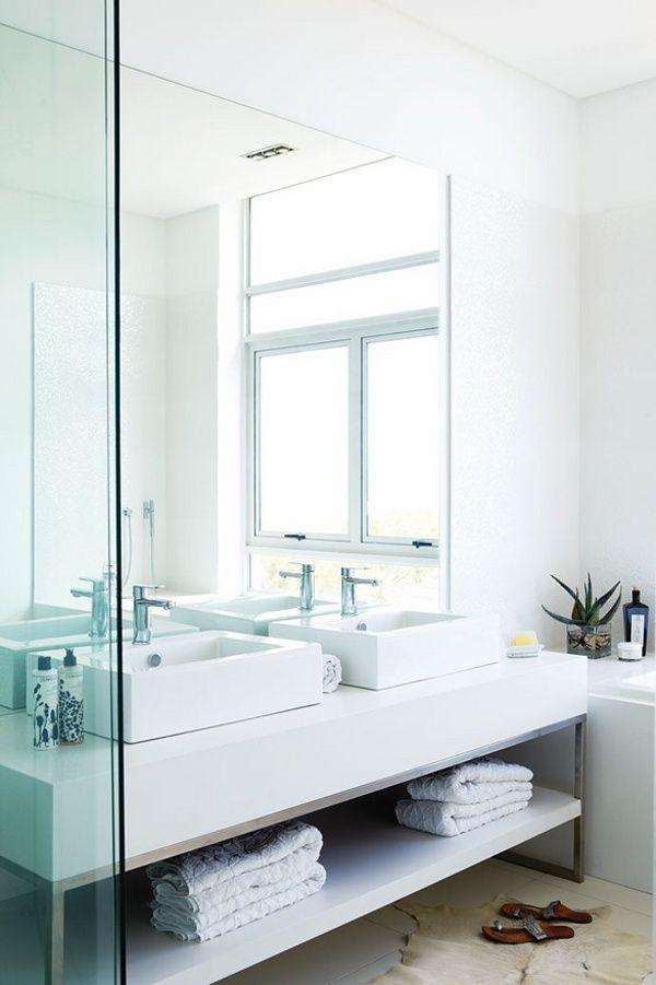 Beautiful bathroom in Cape Town. Photo by Warren Heath