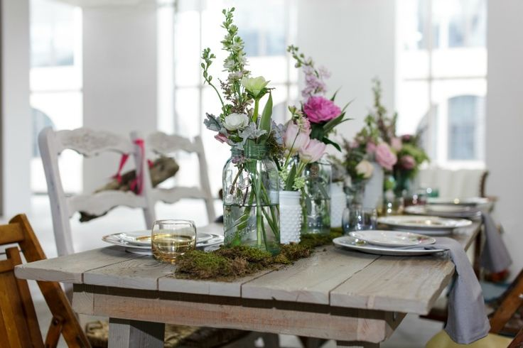 Photo by SQ Commons. Florals by Antheia Floral Boutique.