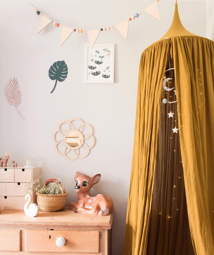 Vintage style girls bedroom, botanical styling details, new mirror coming soon from Lala loves decor