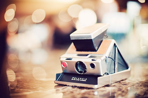#camera: Polaroid Sx70, Vintage Camera, Camera Photography Tips, Polaroid Camera, Polaroid Land, Instant Camera, Polaroid Sx 70, Land Camera, Photography Equipment