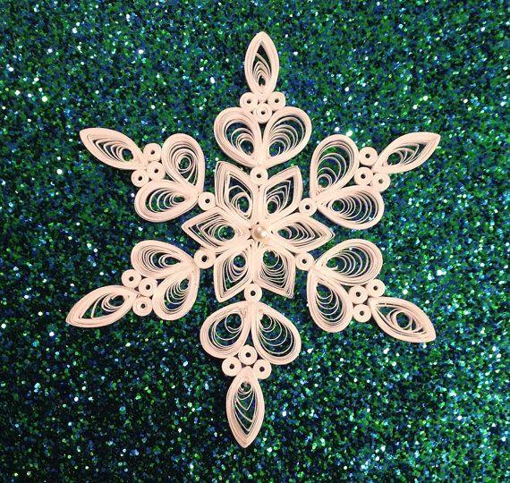 Filigrana di carta carta quilled Snowflake Quilled fiocchi di neve a mano bianco Natale ornamento
