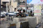 Seorang warga Palestina tewas karena diduga lakukan serangan pisau di Yerusalem  YERUSALEM (Arrahmah.com)  Seorang warga Palestina ditembak mati karena diduga melakukan serangan penusukan di Yerusalem Timur Sabtu menurut polisi Israel.  Juru bicara polisi Luba al-Samri mengatakan bahwa warga Palestina itu telah menikam dua orang Israel di Kota Tua Yerusalem. Kedua warga Israel itu mengalami luka ringan.  Kementerian Kesehatan Palestina menegaskan bahwa warga Palestina itu telah ditembak mati…