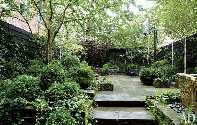 Julianne Moore's West Village Garden -- heavenly!