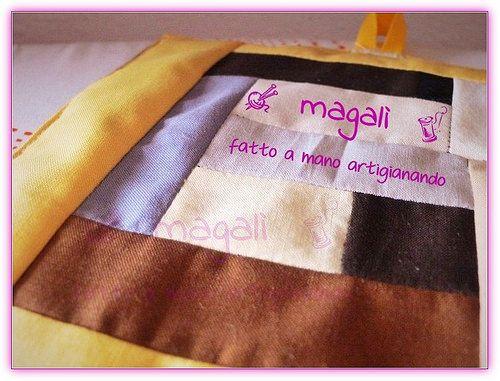 """magalì : presine patchwork che si """"sentono"""" sottotazza (mug rug) e racconti di cucito parte seconda"""
