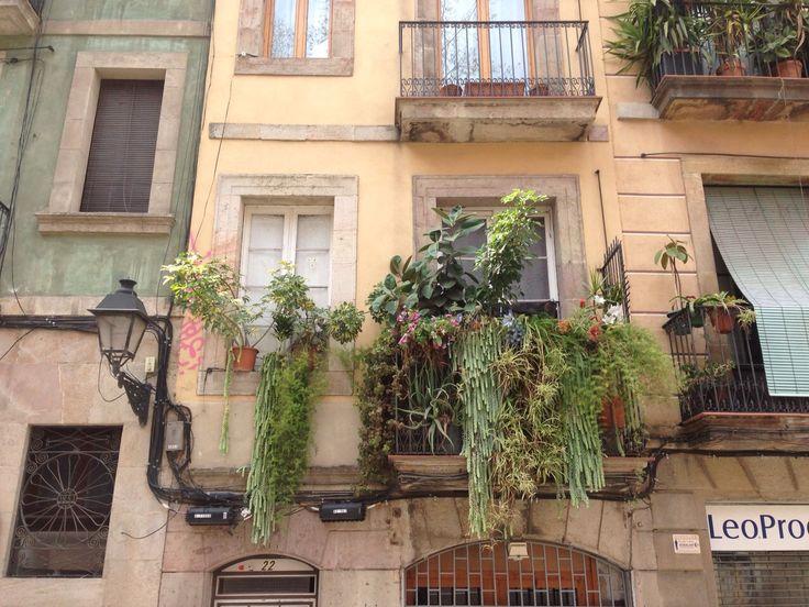 En la calle Tantarantana. At Tantarantana street.  #RestauranteBarcelona #Borne