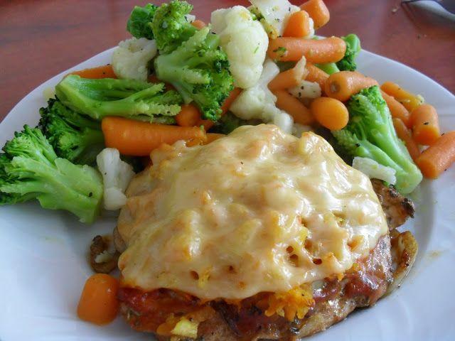 Lekcje w kuchni: Kurczak pieczony pod serowo-warzywną kołderką
