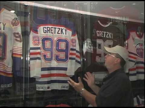 What You Need to Know About Sports Memorabilia Display Cabinets