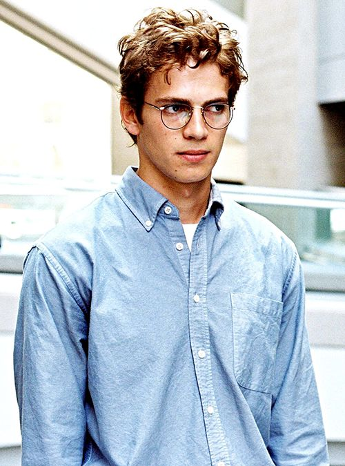 Hayden Christensen as Stephen Glass in Shattered Glass (2003)