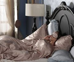 Lovely Blair Waldorf: Blair Waldorf Bedroom: Bedding Idea