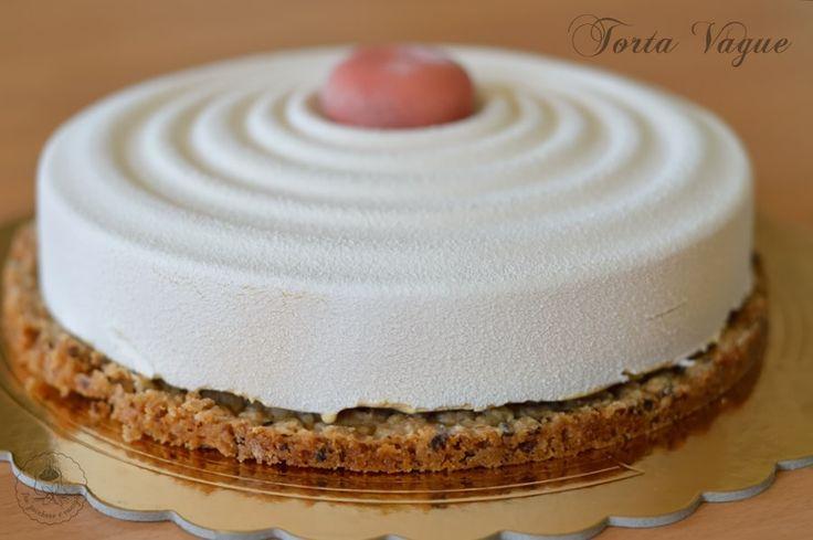 Torta Vague, una mousse al cioccolato bianco Dulcey e cremoso al lampone  #trazuccheroevaniglia #silikomart #madewithpassion #mousse #lampone #mauriziosantin #gianlucafusto