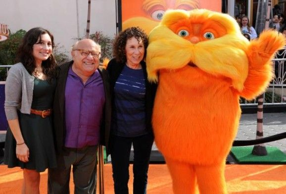 Danny DeVito with his wife Rhea Perlman and their daughter Lucy