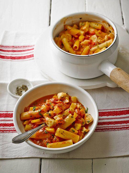 One Pot Penne mit Parmesan, ein sehr schönes Rezept aus der Kategorie Studentenküche. Bewertungen: 172. Durchschnitt: Ø 4,4.