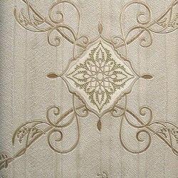 Diseño con formas de tipo barroco, en color gris y marrón en este papel pintado de la colección Karat de Parati.