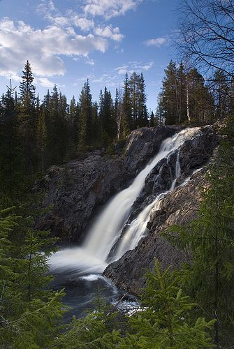 Hepoköngäs Falls, Puolanka, Finland