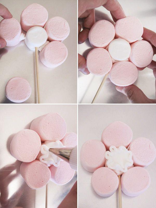 Brochetas de chuches: Tutorial flores rosas de nubes                                                                                                                                                                                 Más