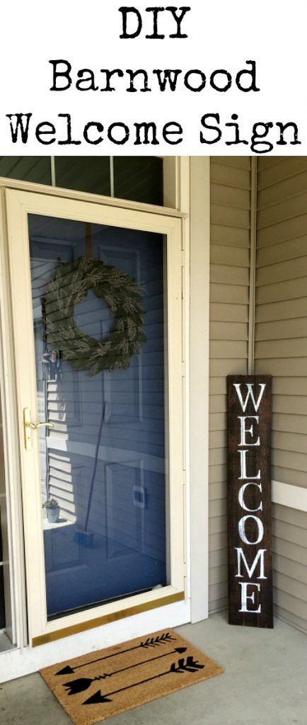 I cannot believe this DIY Barnwood Welcome sign was made for FREE. Super cute! Great tutorial.