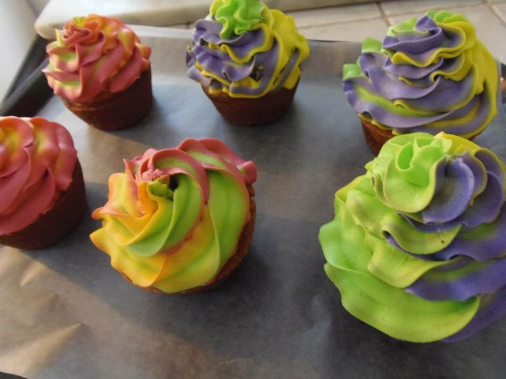 Love these wild cupcakes from Maroon Pig Art Gallery & Sweet Shop in Georgetown, PEI. http://peiflavours.ca/index.php/flavours-trail/listing/Maroon-Pig-Art-Gallery-Sweet-Shop/