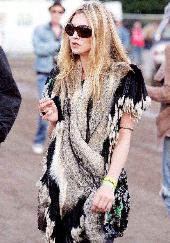 Kate Moss in an incredible fur and floral look at #Glastonbury in 2004 // #CelebrityStyle