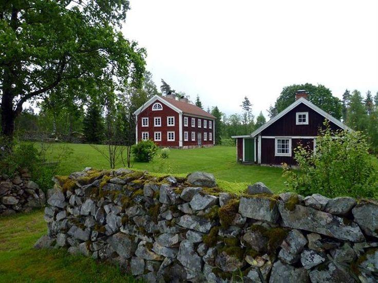 Genuina småländska stenmurar