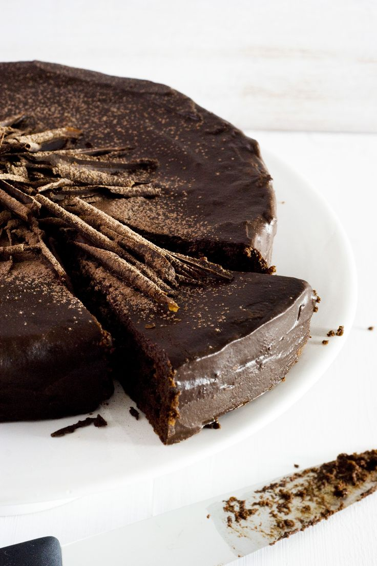 Best Flourless Chocolate Cake of Switzerland - Full Cravings