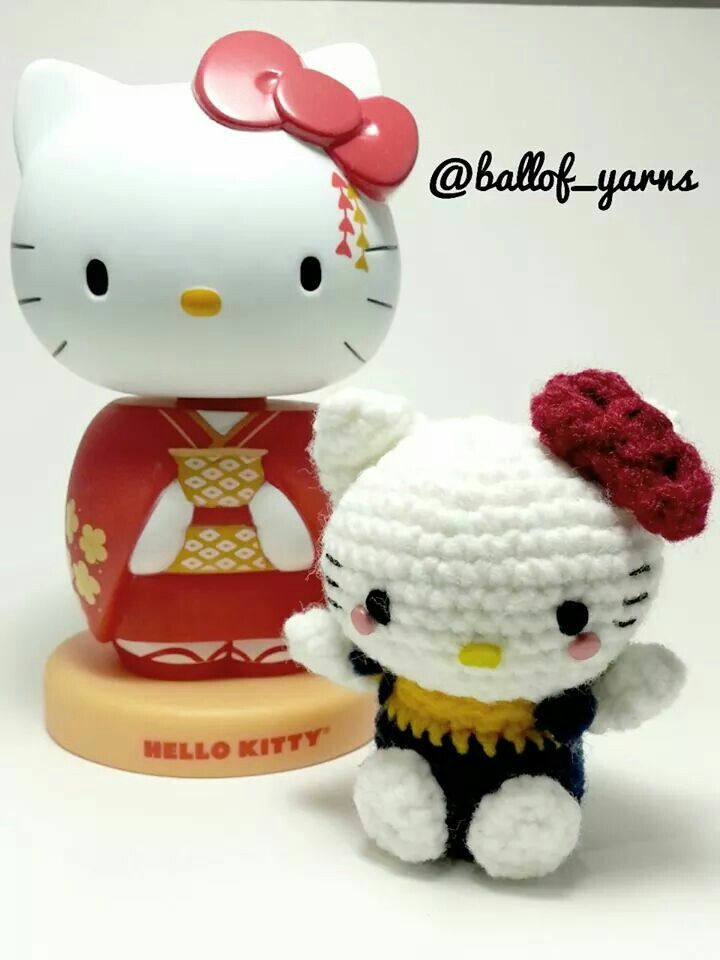 One of the best books that came out this year was Mei Lees #HelloKittycrochet  Filled with wonderful patterns including the one above. #hellokitty #amigurumi #sanrio
